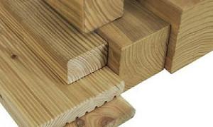 Vuren / Grenen palen en planken